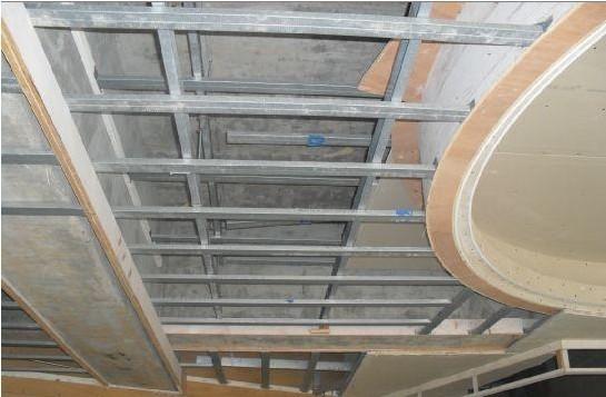 吊顶及隔墙采用轻钢龙骨材料